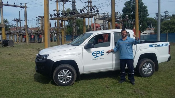 Las Parejas: Entregaron nuevo vehículo a la Agencia local de la E.P.E