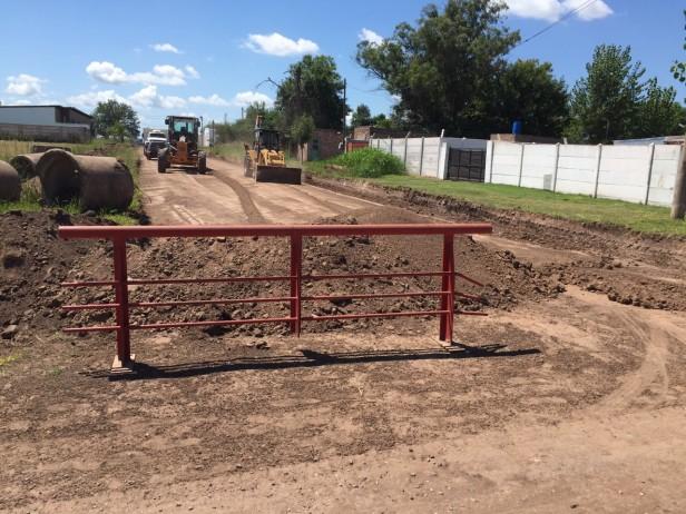 Comenzaron los trabajos para pavimentar Corrientes al 1400