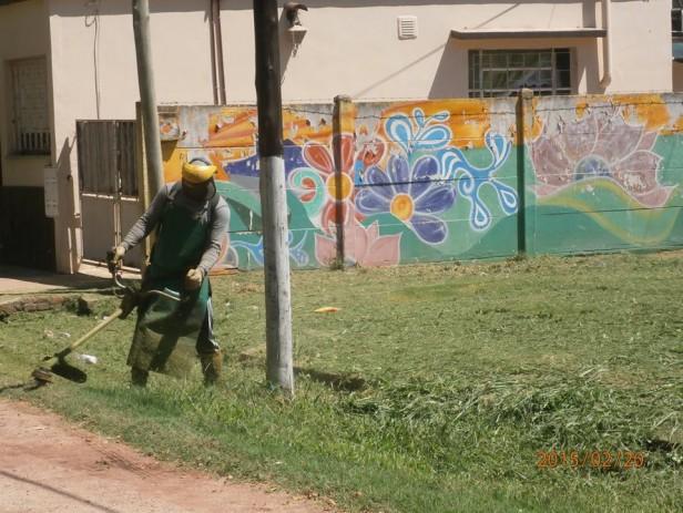 Se intensifican las tareas de higiene urbana y desmalezamiento