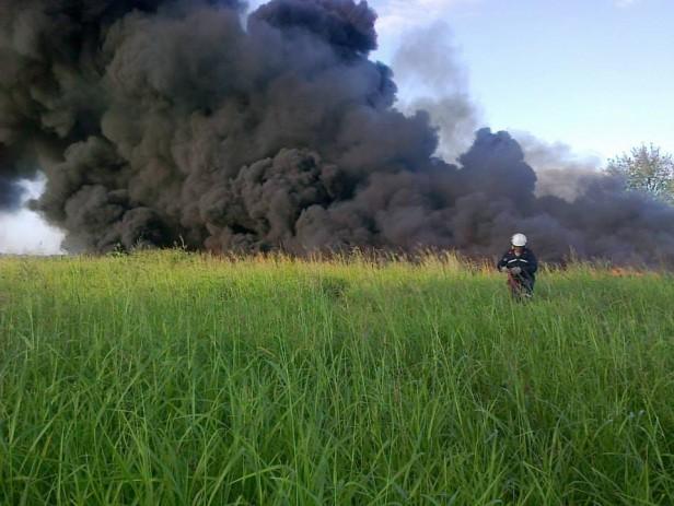 Bustinza: Arduo trabajo conjunto para apagar incendio en el basural