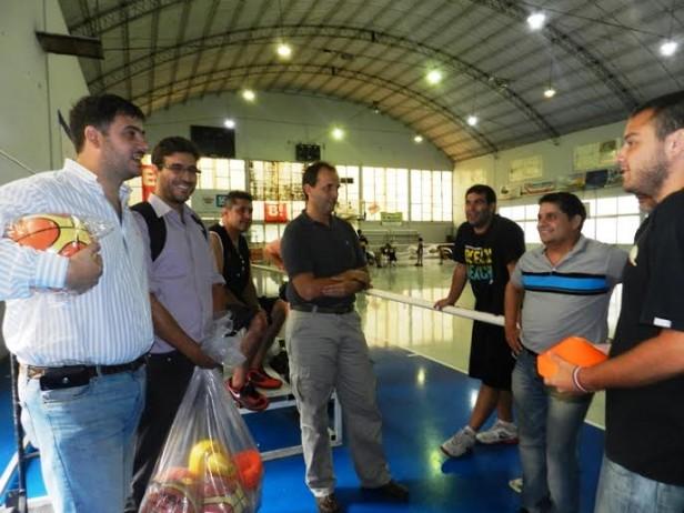 Entrega de pelotas y elementos deportivos a SPORT y ADEO