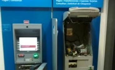Villa Eloisa: Intento de robo a cajeros automáticos