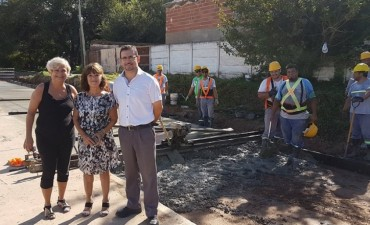 La intendenta recorrió trabajos de pavimento
