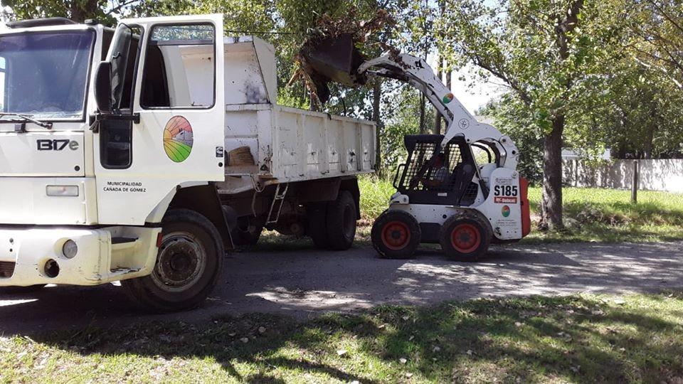 Continúan los trabajos municipales en higiene urbana