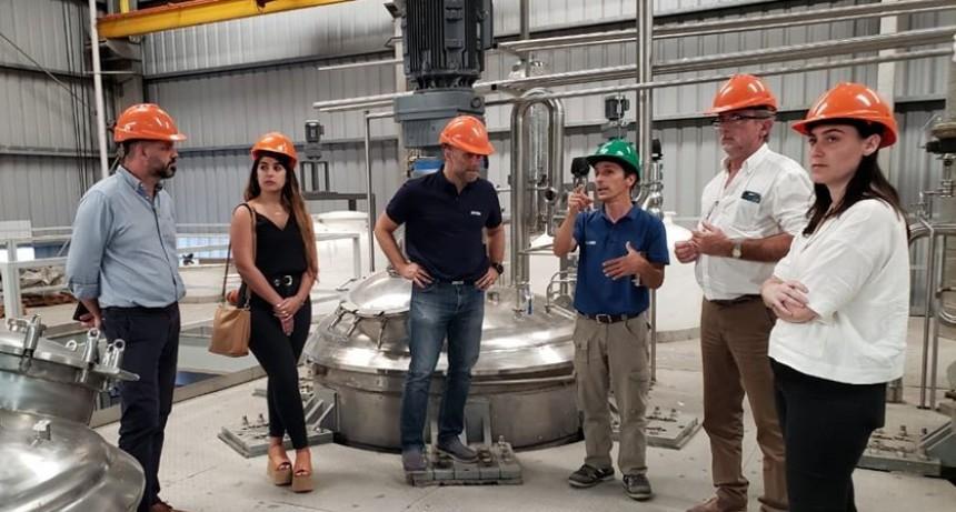 Funcionarios de producción local y de la provincia visitaron una industria