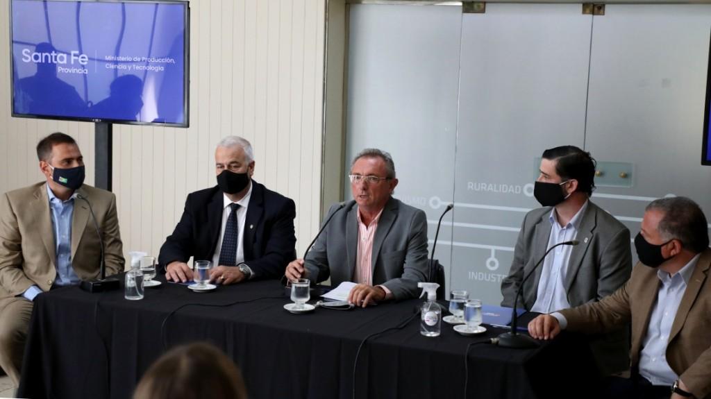 Billetera Santa Fe: La provincia firmó un acuerdo con frigoríficos santafesinos para incorporar la carne al programa
