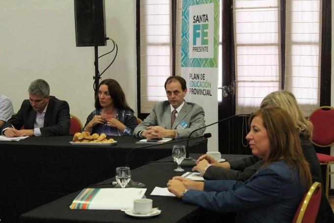Rasetto participó del foro Dialogos por la Educación