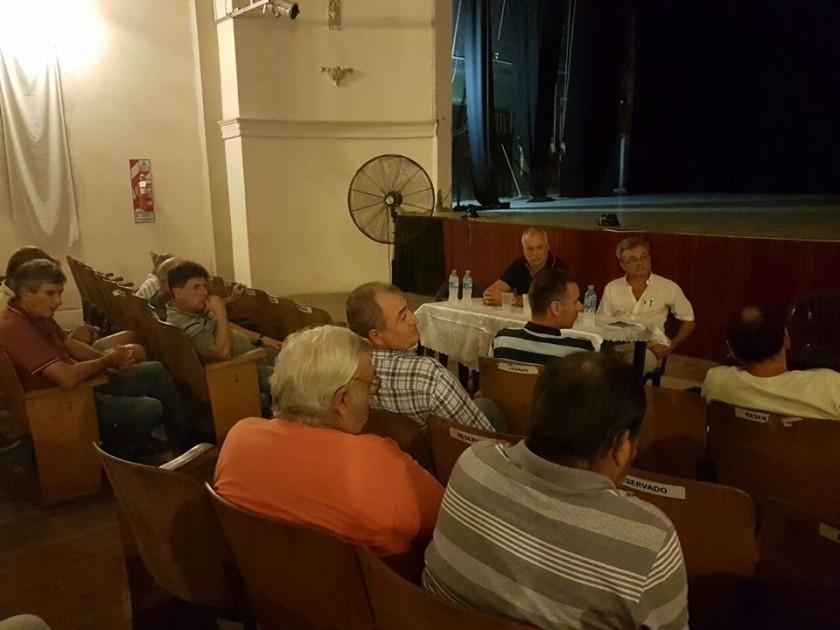 Reunión del Municipio con productores agropecuarios