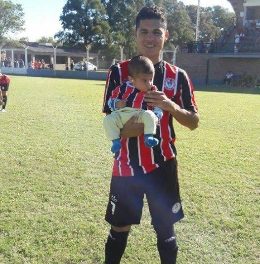 Jonathan Rivas autor del gol de la victoria de ADEO