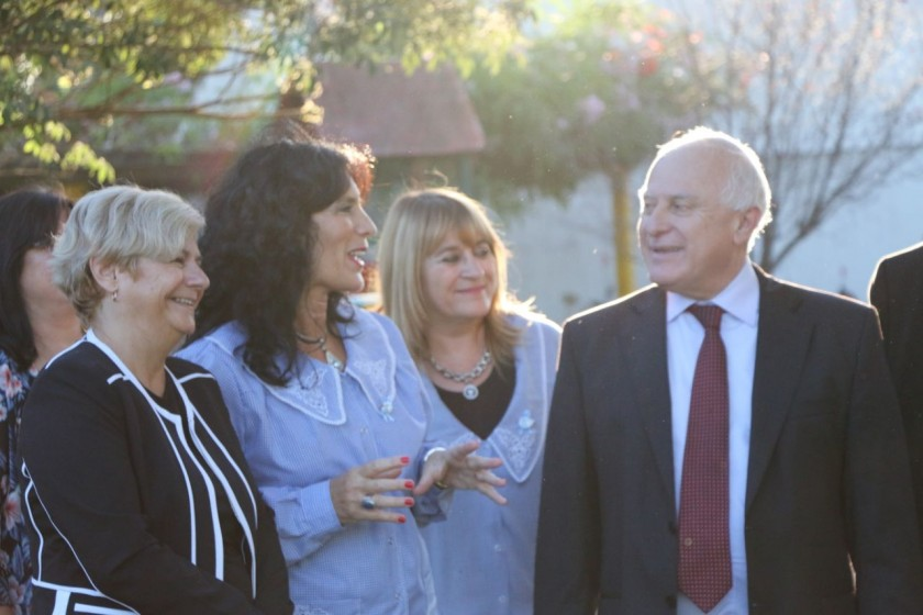 La intendenta junto al gobernador realizó apertura de sobre para ampliación de jardin Hornerito
