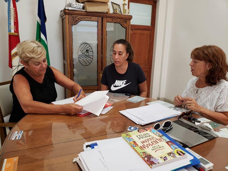 Clerici firmó convenio para mantenimiento de obras hidricas