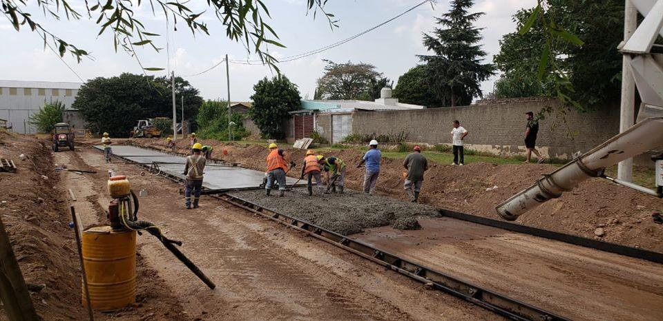El Municipio concreta dos nuevas cuadras de pavimento en zona Norte