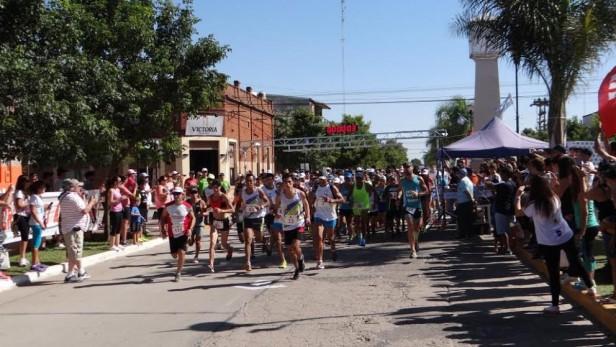 2º Maratón Ciudad de Las Parejas contó con 300 competidores