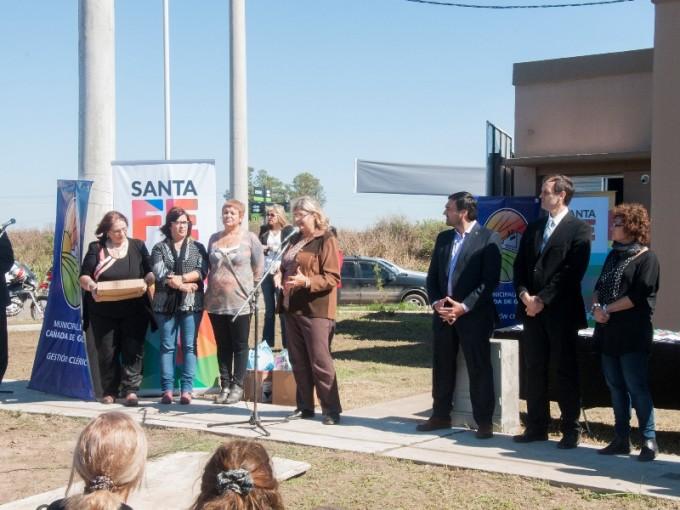 La provincia inauguró 40 viviendas para docentes en Cañada de Gómez