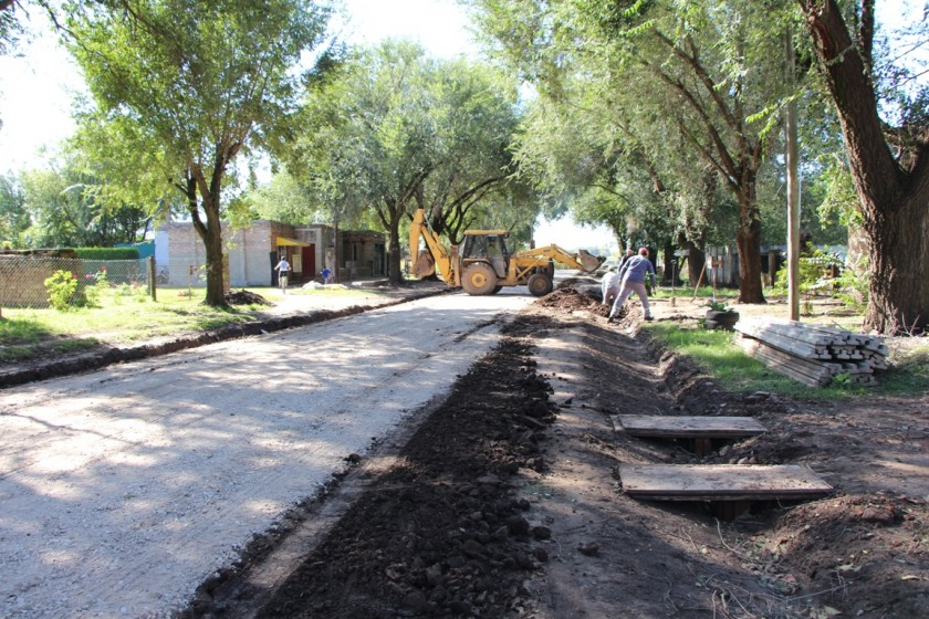 Municipio continúa trabajando en recuperación de calles