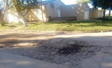 Reclaman al Municipio el arreglo de calles y la reposición de luminarias