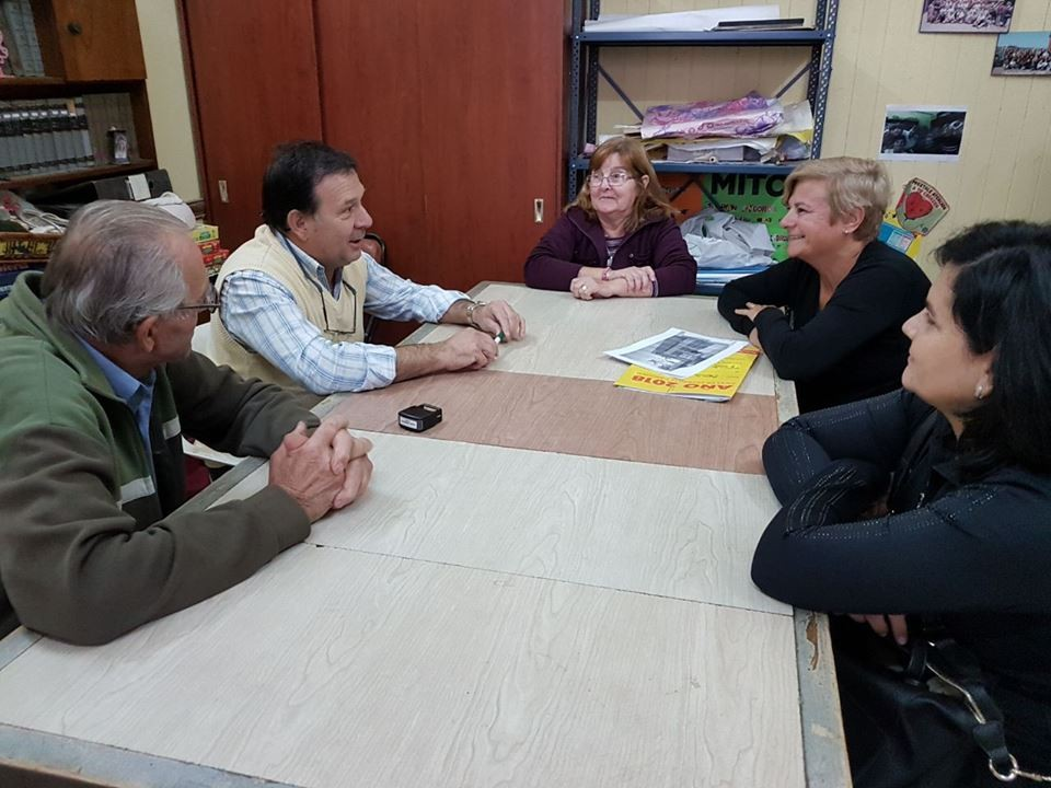 Clerici entregó aporte al Centro de Jubilados Primavera
