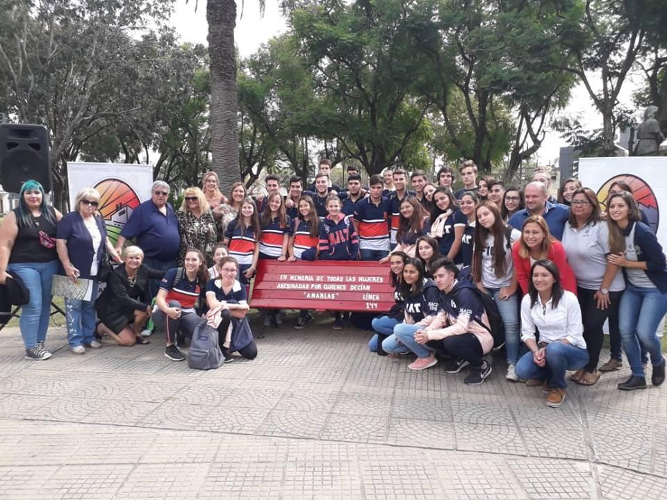 El Municipio acompañó a alumnos del nacio en iniciativa por la No Violencia