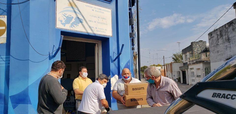 El Municipio y excombatientes entregaron donaciones de la colecta