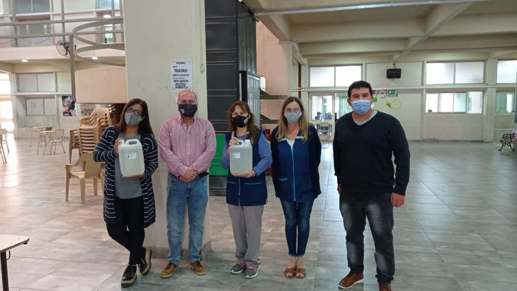 El Comité Departamental distribuyó alcohol en gel en las instituciones educativas