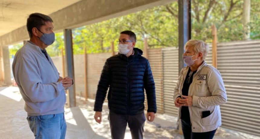 Clérici  recorrió  trabajos de recuperación del edificio donde el Centro económico trasladará sus oficinas