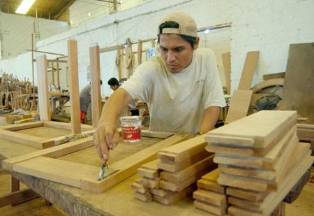 Madereros piden aumento del 35 por ciento