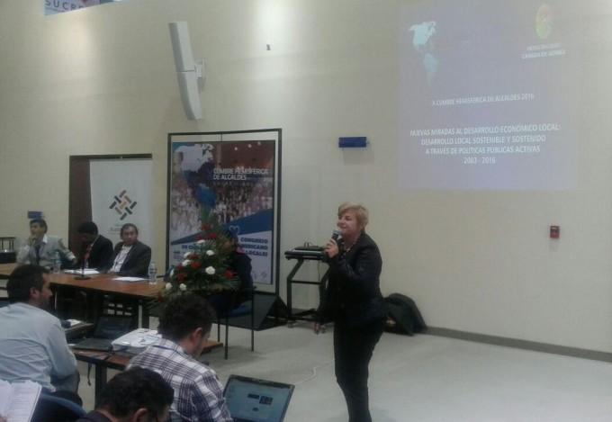 Clerici expuso en la Cumbre Internacional de Alcaldes