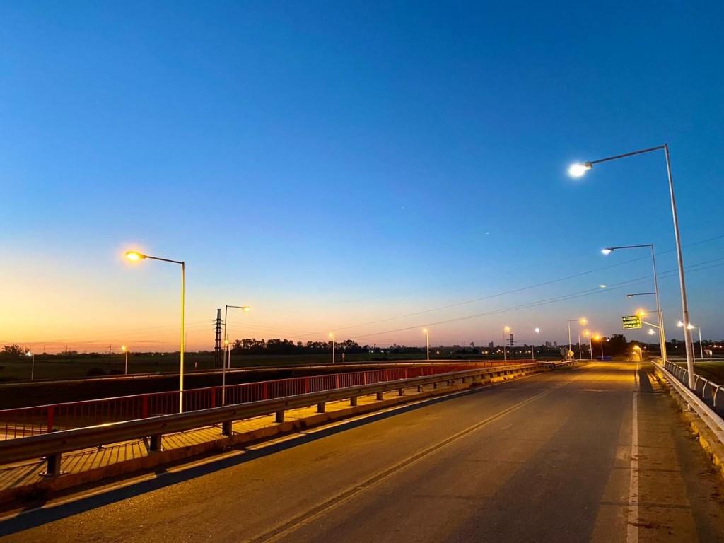 Tras las gestiones de la intendenta Clérici se repararon las luminarias del acceso a la autopista