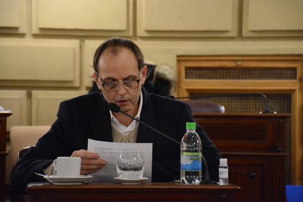 Media sanción a 4 proyectos de ley del Senador Rasetto