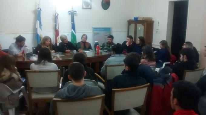 Diaz Patrón y Guzmaroli junto al ejecutivo programan actividades con jóvenes