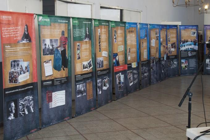 Más de dos mil chicos pasaron por la muestra del centro Ana Frank.