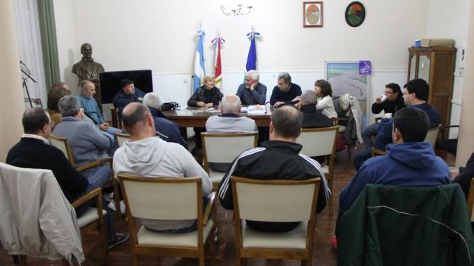 Vecinalistas y Municipio seguirán pidiendo fondos del endeudamiento para mejorado y pavimento