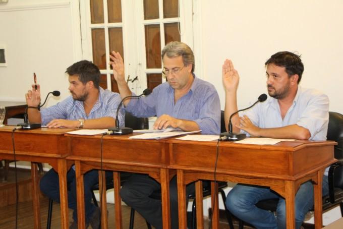 Respuesta de los ediles del FJPV: Historicamente los concejales de Cambiemos se han dedicado a criticar las obras que se han hecho desde el Municipio