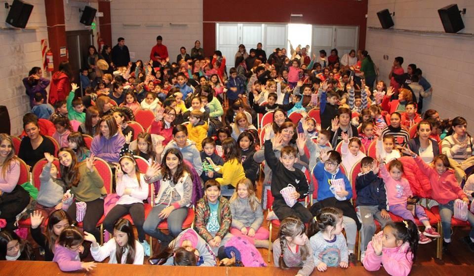Un centenar de chicos disfrutan de las actividades de Vacaciones de Invierno con la Muni