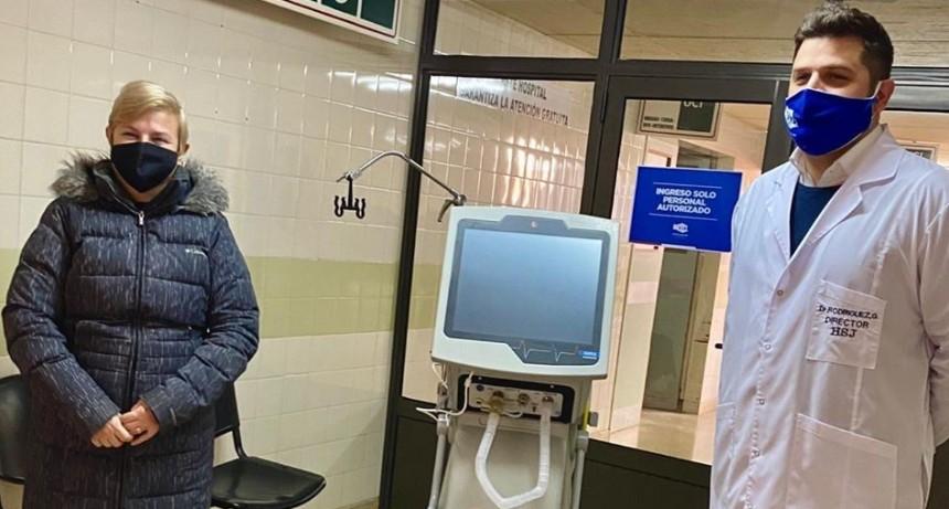 CLÉRICI JUNTO AL DIRECTOR DEL HOSPITAL SAN JOSÉ PRESENTARON NUEVOS RESPIRADORES