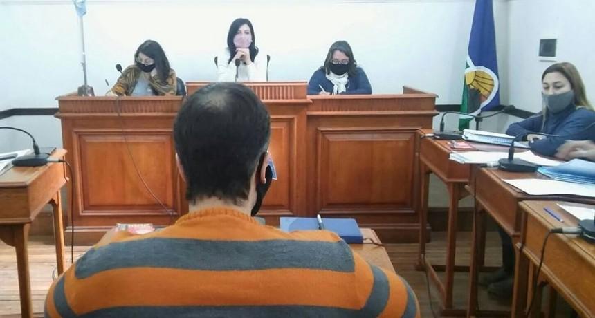 Mazzoli obsequió dispositivos de Gas Pimienta a las mujeres del Concejo Municipal