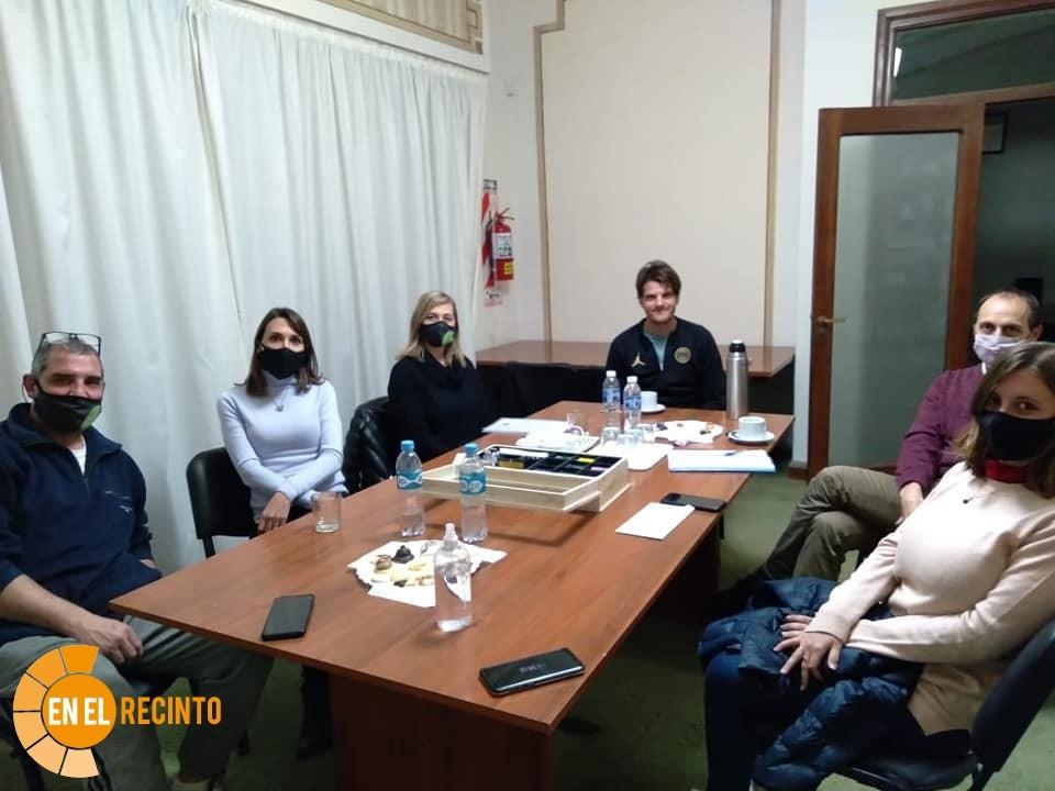 Reunión de Padres Organizados de Cañada de Gómez con el senador Rasetto