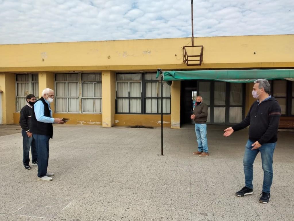 El Municipio entregó aporte económico al club Arroyito