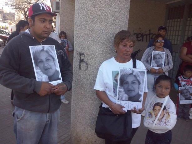 Marcha por el asesinato de Carla Acosta