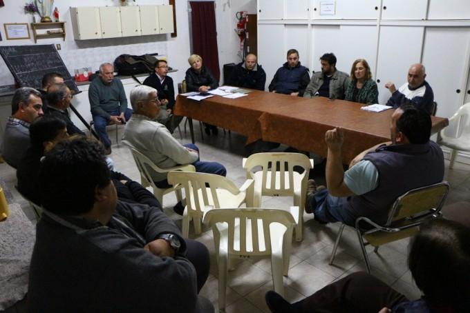 Clerici se reunió con vecinos del barrio Tiro Federal