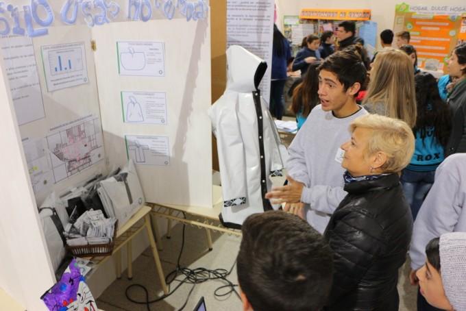 Clerici en la inauguración de la Feria de Ciencias
