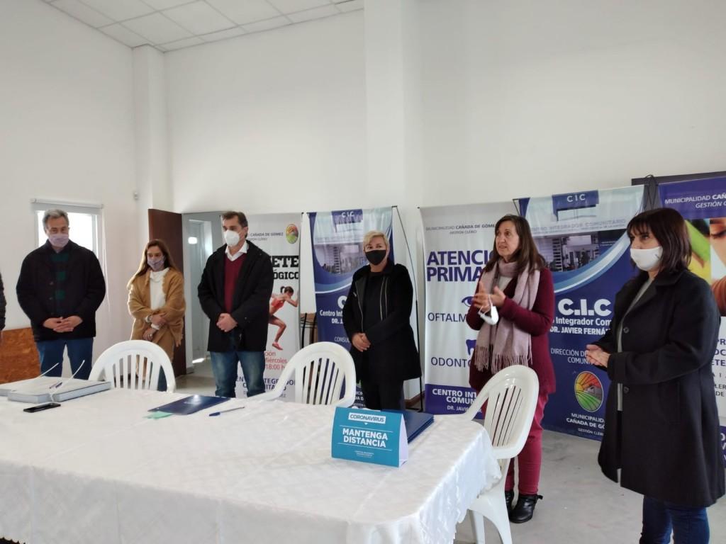 Se firmaron convenios para el fortalecimiento de los Centros de Día