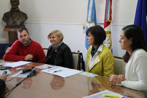 El Municipio suscribió un convenio con la Universidad Siglo 21