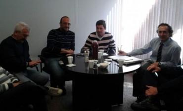 Reunión en la EPE para mejorar el servicio en la Comuna de Bouquet