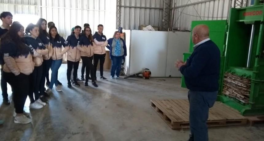 Alumnos del nacio visitaron la Planta de Tratamiento de Residuos