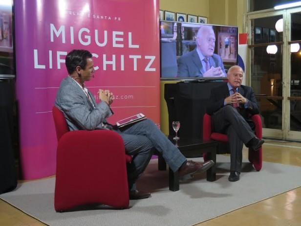 Lifschitz presentó propuestas en una charla con el público