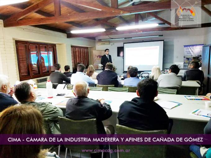 Capacitación en la Cámara de la Industria de la Madera