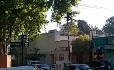 Reclaman reparación y modernización de semáforos
