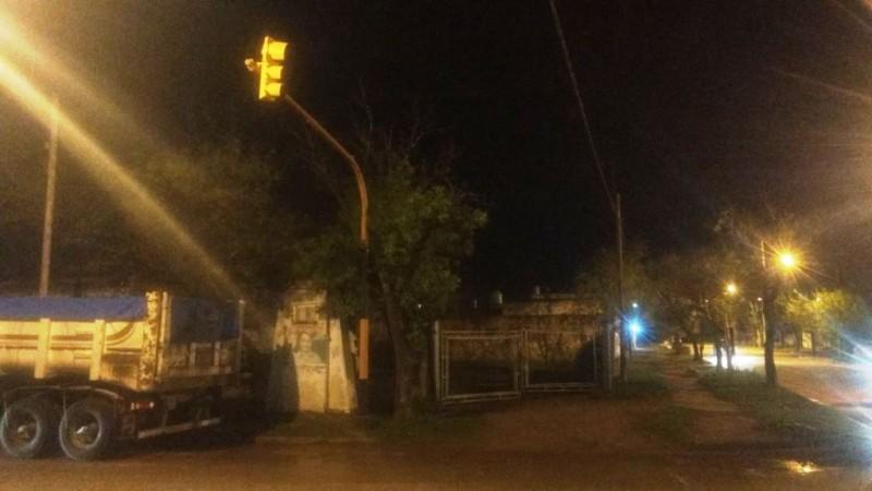 Solicitan la reparación de semáforos en Urquiza y Ov. Lagos, y en Marconi y Brown