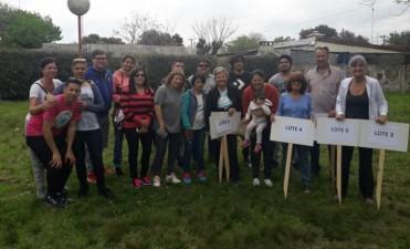 Vecinos junto a la intendenta tomaron posesión de los terrenos del Plan Mi Lote V